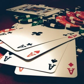 Lets-Play-Poker_web